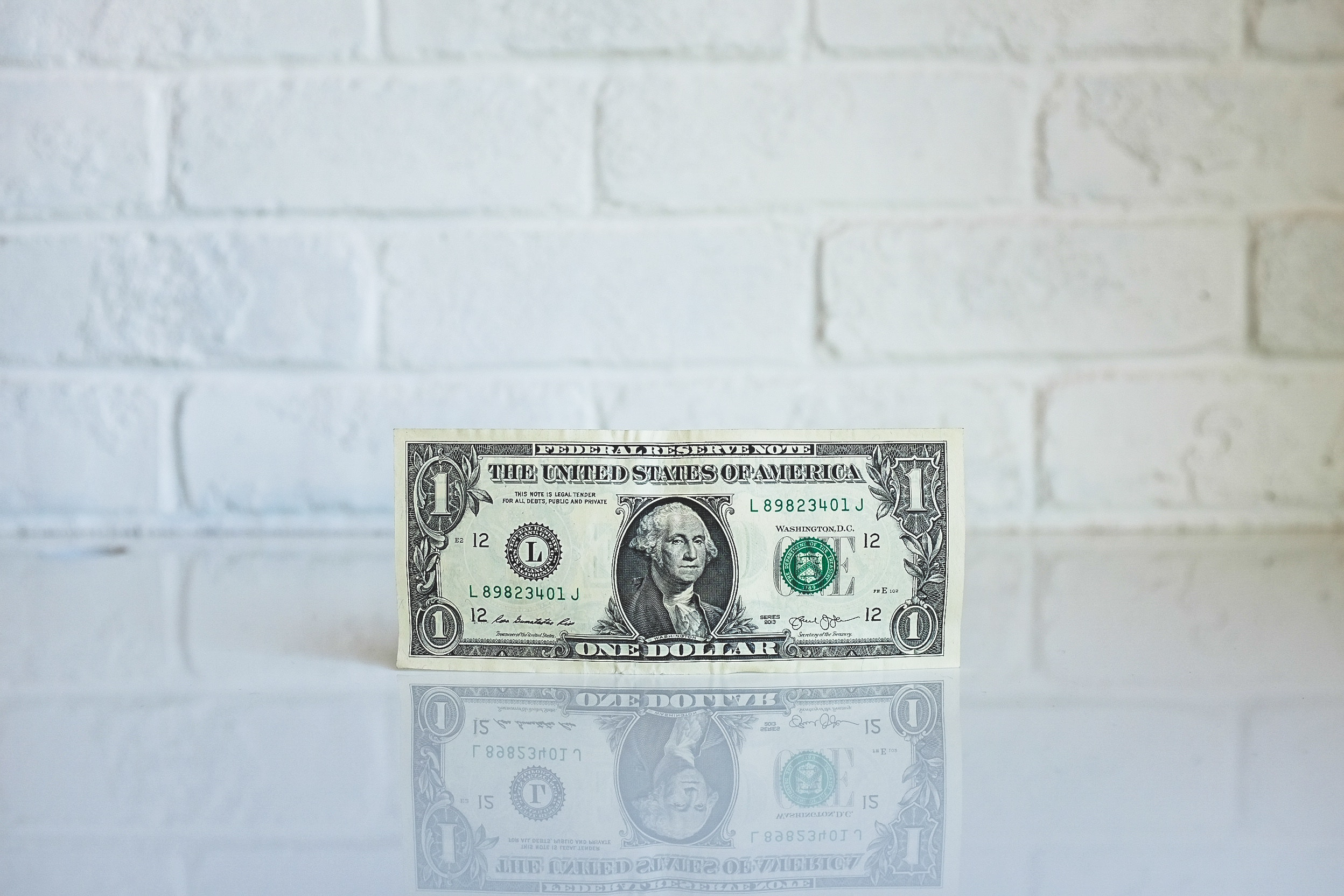 Dollar Bill - How the Fed's Interest Rate Changes Affect You - The Morty Blog